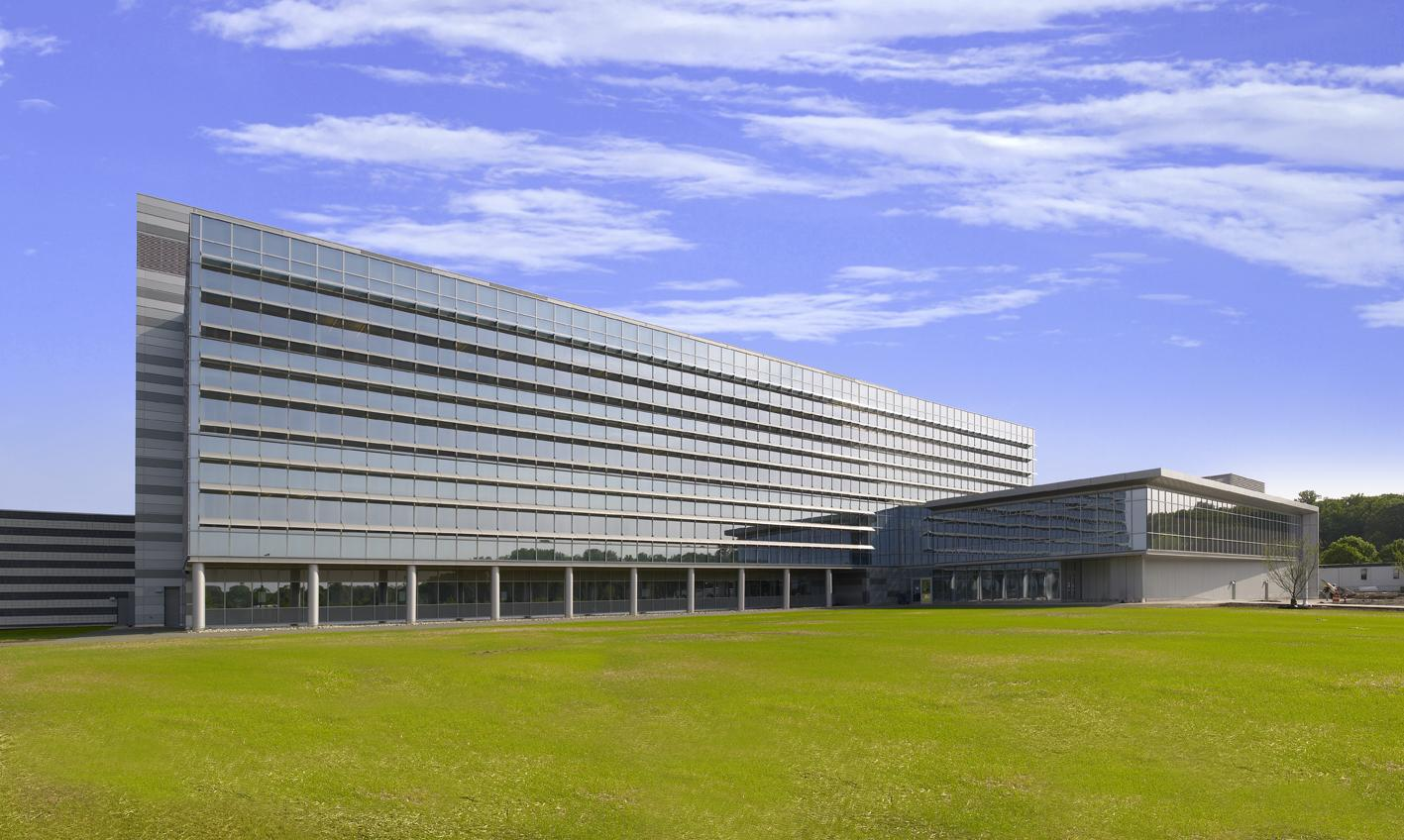 New Jersey Public Health, Environmental and Agricultural Laboratory / Lend Lease/ HOK